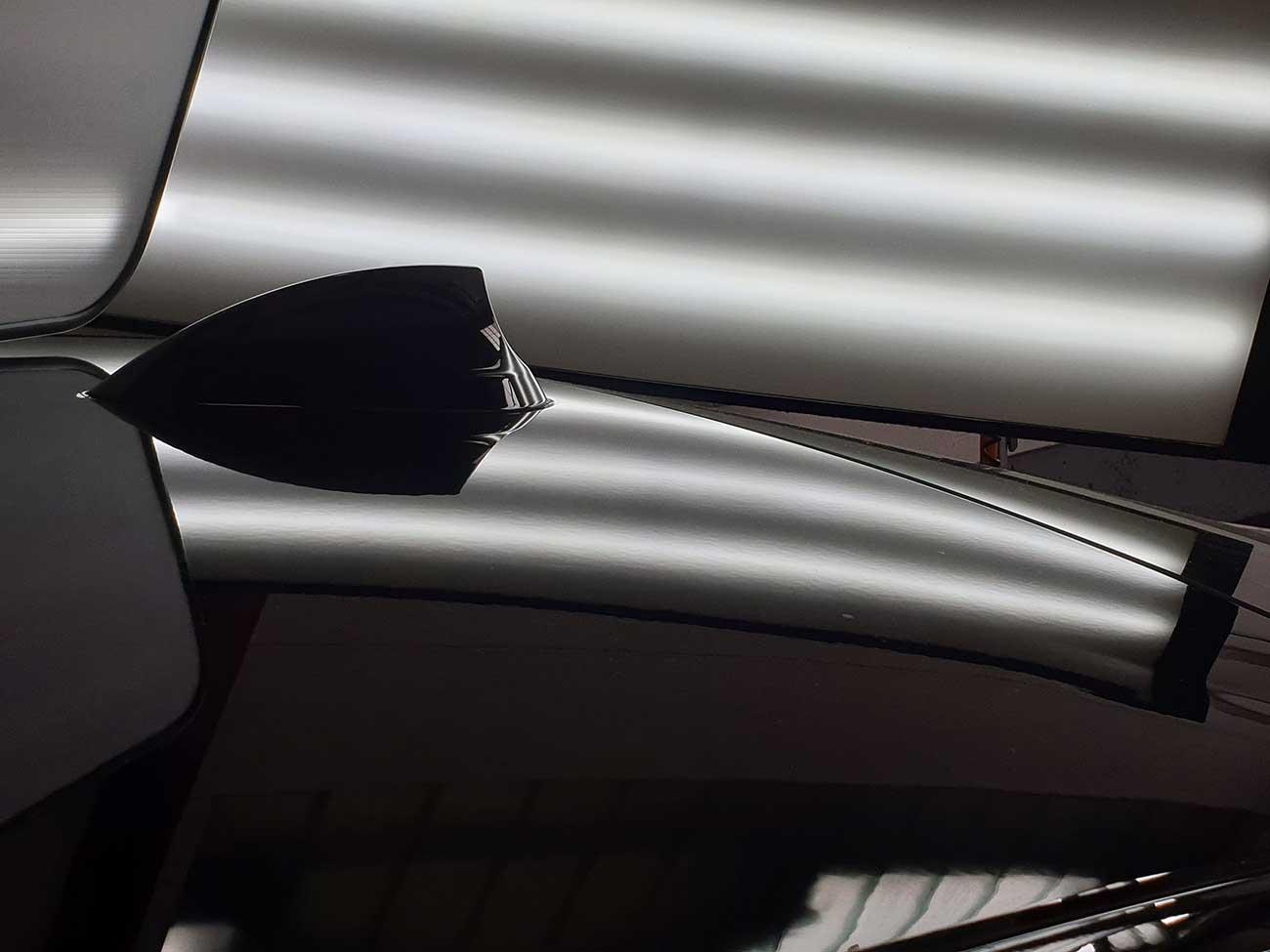 Reparierte Delle auf Fahrzeugdach-Beulendoktor Kassel-Die Fahrzeug-Ambulanz
