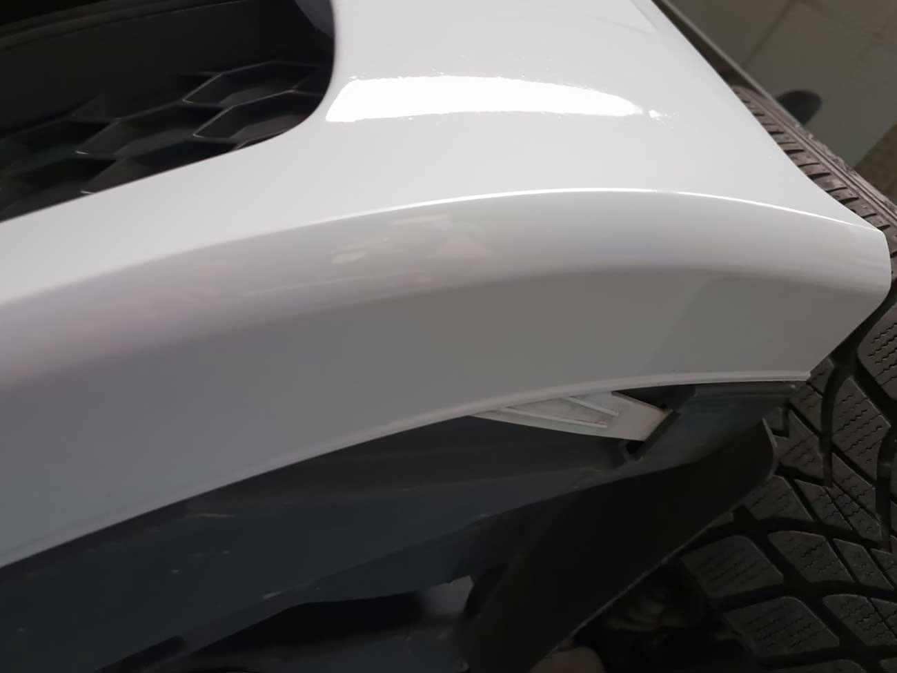 Reparierte Schramme auf Fahrzeugvorderseite- Lackschaden-Reparatur in Kassel- Die Fahrzeug-Ambulanz
